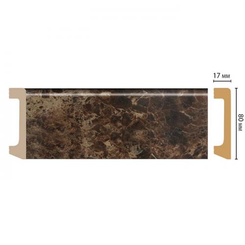 Напольный плинтус из полистирола скрывает неровности, а также выполняет декоративные задачи: с его помощью можно визуально объединить или четко разъединить плоскости пола и стен.